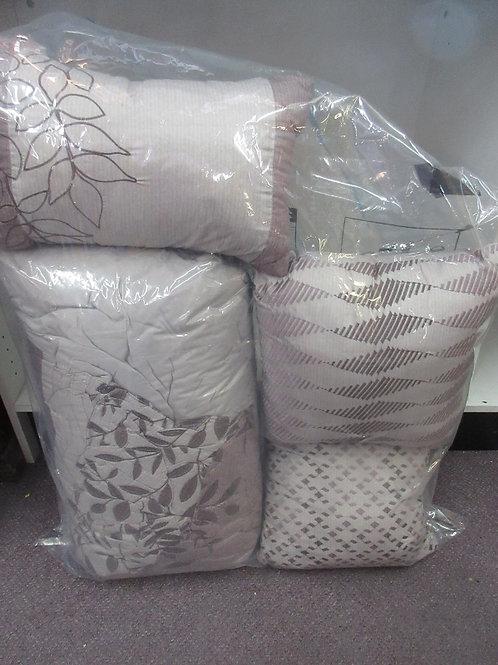Plum comforter set - comforter, skirt, 2 shames, 3 pillows - king