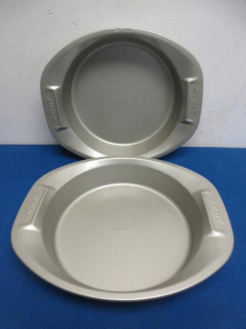 """Set of two Analon heavy 9"""" round cake pan"""