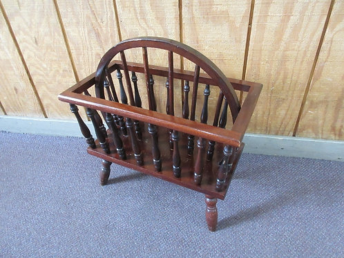 Cherry footed double sided magazine rack with arched handle