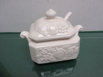 White ceramic gravy boat with lid and ladle, dimensional fruit design