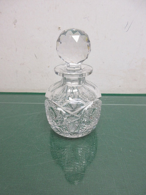Large crystal perfume bottle with round stopper