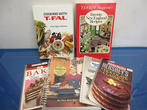 Group of 6 small cookbooks-hersheys, philly cream cheese & more