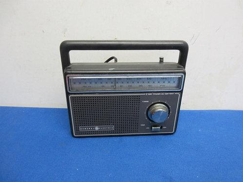 General Electric portable radio