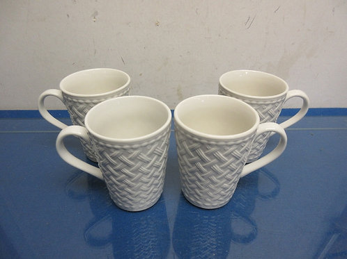 Set of 4 white ceramic lattice design coffee mugs