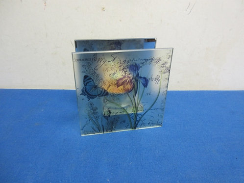Glass floral candle holder with mirrorred back
