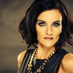 EDELE LYNCH (B*Witched)