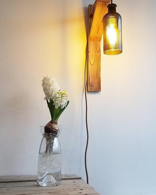 Vase à bulbe et patère.jpg