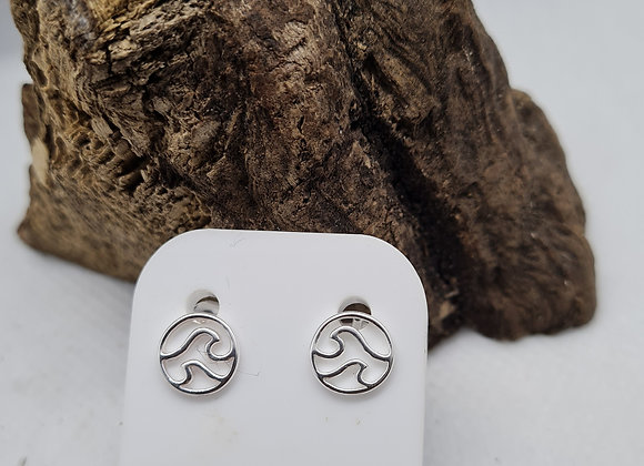 Double wave stud earrings