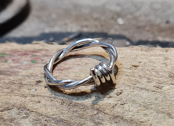 Barbwire ring