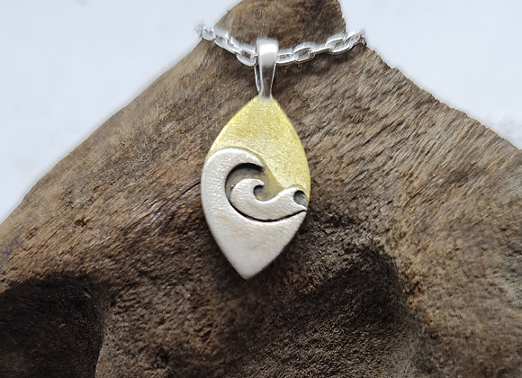 Small wave pendant