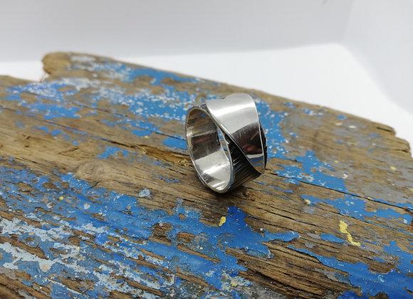 Oxidised heart ring