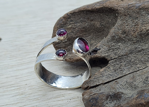 Beautiful sterling silver abalone pinch ring