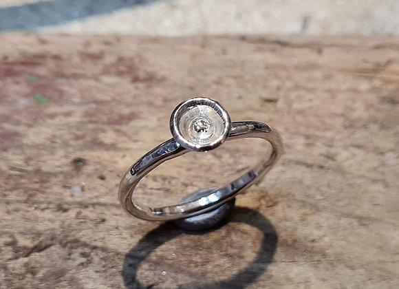 Single bud ring