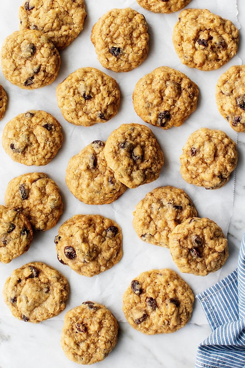 Oatmeal Raisin Cookies (24 pcs)