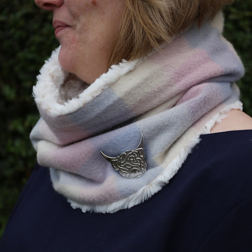 Gift Set - Snood & Brooch