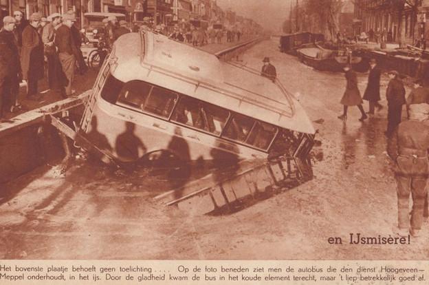 bus in het ijs1926.jpg