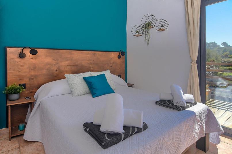 Upper level, double bedroom 1