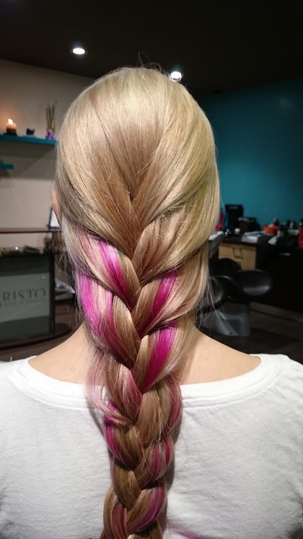 Blond, ružová farba