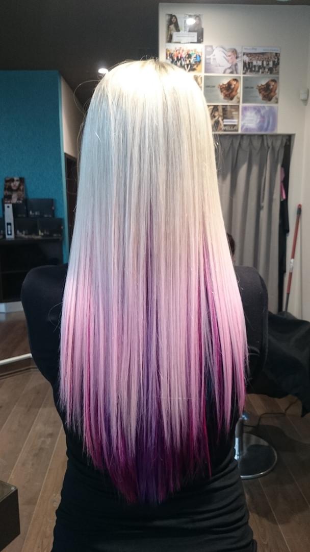 Platinová blond, fialová