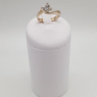 Solitario oro 750 - Diamante 0,57 ct - Euro 960 - sconto 20% = Euro 768