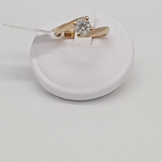 Solitario oro 750°/°°. Diamante 0,60 carati. Euro 950