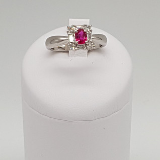 Anello Platino 900. Diamanti 0,26 carati, Rubino 0,44 carati. Euro 1.650