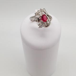 Anello in Platino 900°/oo - Rubino 0,70 ct - Diamanti 0,30 ct - Euro 1.900