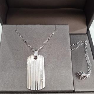 Girocollo Damiani in argento 925 con pendente e diamante nero 0.01 ct. Euro 190 - sconto 20% = Euro 152