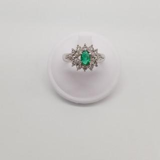 Anello in Platino 900 - Smeraldo 0,46 ct - Diamanti 0,70 ct - Euro 1.650 - sconto 20% = Euro 1.320