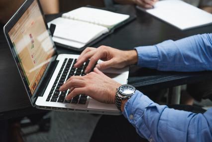 C_Hot_Desk-750_7909.jpg