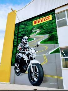 Grafiti na Pirelli.jpg