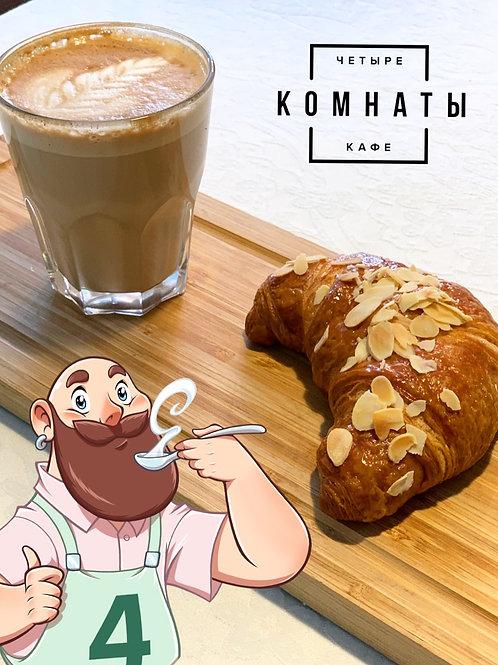 КРУАССАН С МИНДАЛЕМ (67г)