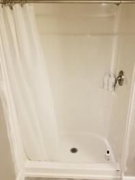 Local Bathroom remodeling contractor .jp