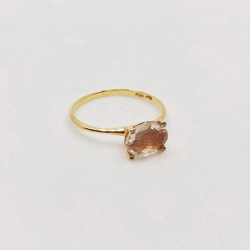 Золотое кольцо Nanis с бриллиантами и кварцем