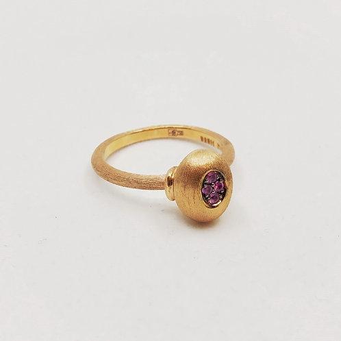 Золотое кольцо Nanis с сапфирами