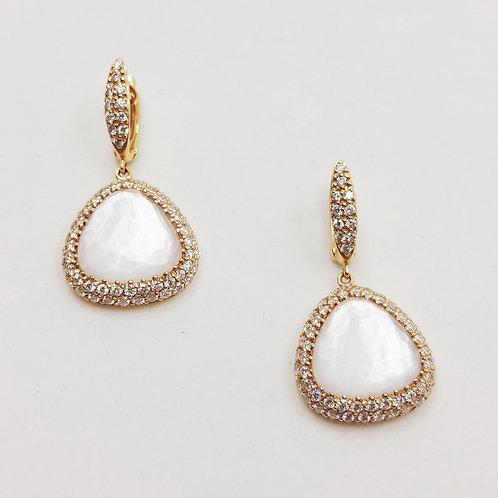 Золотые серьги Sofragem с бриллиантами и перламутром
