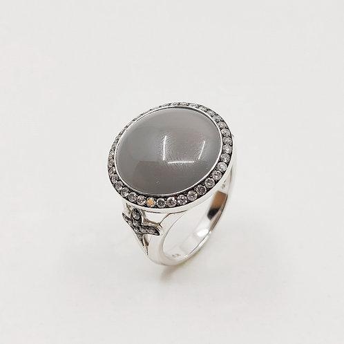 Золотое кольцо Sofragem с бриллиантами и лунным камнем