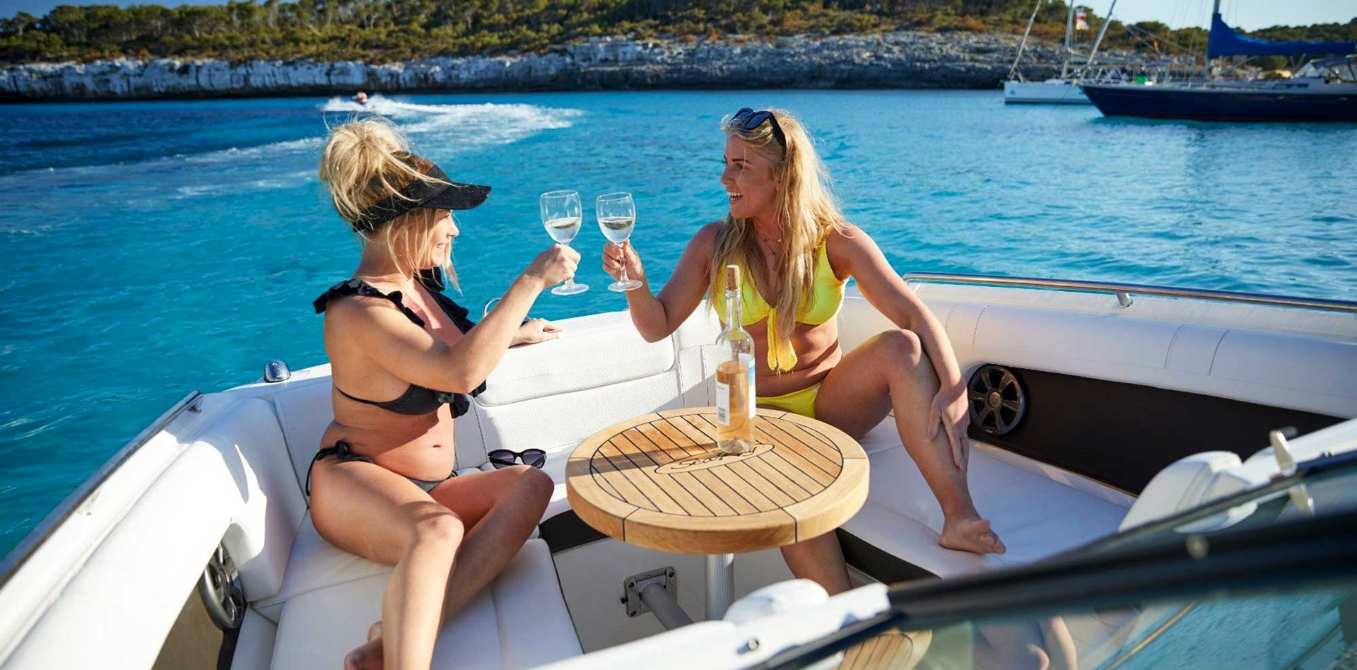 IBIZA TOP CHARTER • SEA RAY 270