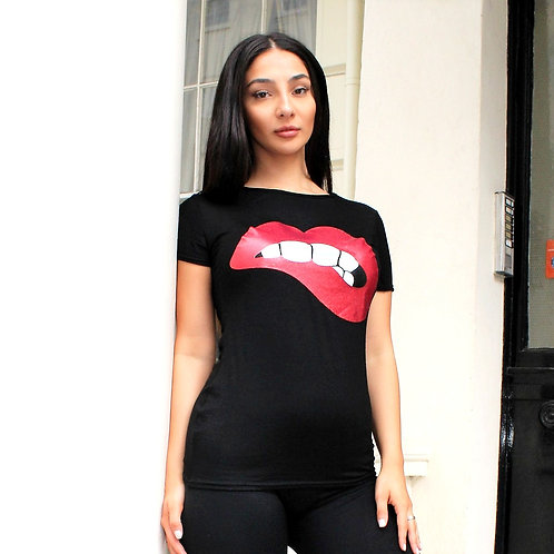 Black Red lip T-shirt