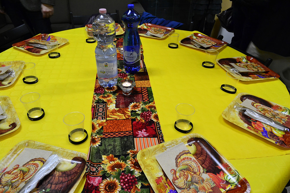 thanksgiving tables