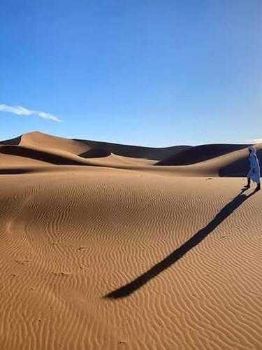 DÉSERT DU SAHARA MAROCAIN/Morocco Sahara Desert  Le Maroc possède une partie du désert du Sahara sur son territoire.  Il est en plus entouré des montagnes de l'Atlas, pour un mélange de décors surprenants.
