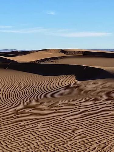 DÉSERT DU SAHARA MAROCAIN/Morocco Sahara Desert  Le Sahara est composé de 20 % de dunes de sable (Ergs fixes), 80 % de montagnes, regs et hamadas.