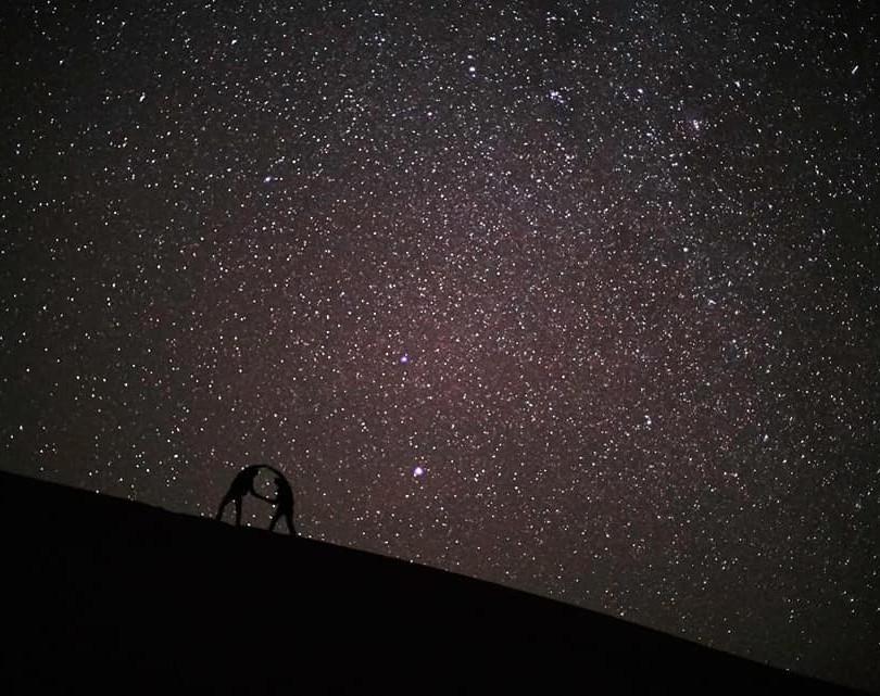 DÉSERT DU SAHARA MAROCAIN/Morocco Sahara Desert  Passer la nuit dans le désert est une expérience inoubliable car il offre un spectacle de toute beauté.