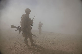 Lubricating a gun in dusty environments, M-16 desert lubrication, M-4 desert lubrication, how to lubricate your gun in the desert