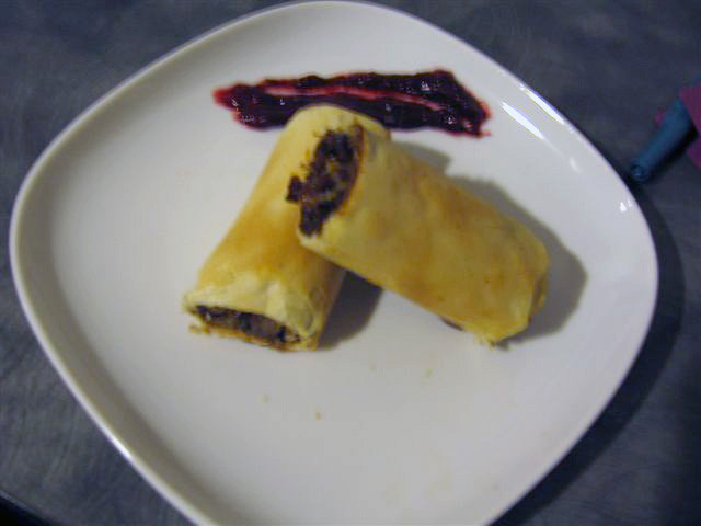 Chicken Spring Rolls with Fresh Cranberry Chutney