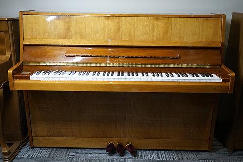 Samick. Upright piano.
