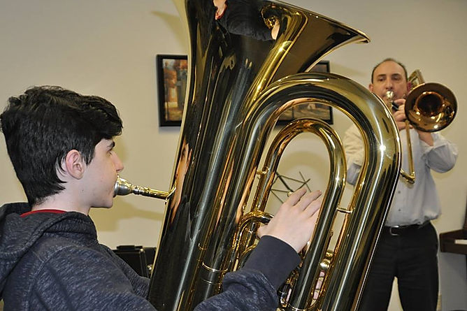 Brass lessons in Mississauga and Etobicoke. School OF Music CA Academy of  MUSIC offers music lessons for children, adults, seniors. Trmbone lessons, Trompet lessons, Tuba lessons, French Horn lessons.