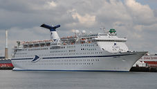 Magelland_ship_(Le_Havre,_2017)_(cropped