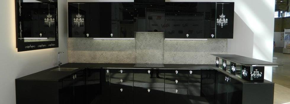 примеры готовых изделий с фасадами Адель