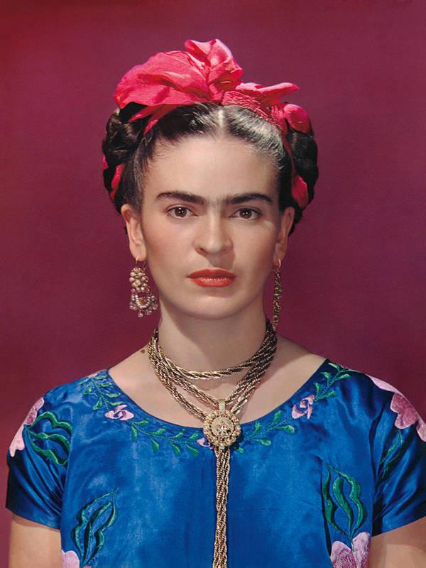 FRIDA KAHLO (1907-1954) 'Frida in Coyoacán', 1939 (nhiếp ảnh gia: Nickolas Muray) - Blitz Creatives